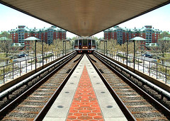 Washington D.C. Metrorail • Wide-body prototype (SteveMather) Tags: 2003 lines station train mirror washingtondc tracks filter prototype rails commuter metrorail spe widebody railroadties converging 180degree anthropics smartphotoeditor