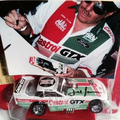 #21-15, NHRA, John Force, Signing,  Hot Wheels, 1989, Pro Circuit, Castrol GTX, funny Car (Picture Proof Autographs) Tags: pictures auto old history classic ford toy promo model automobile image antique unique images special collection vehicles photographs photograph collections hotwheels vehicle historical autos collectible collectors thunderbird automobiles dealer nhra