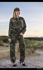 Jvenes Guerreras X - 1/6 (Pogdorica) Tags: espaa jessica retrato guerra modelo bunker militar sesion mili soldado uniforme