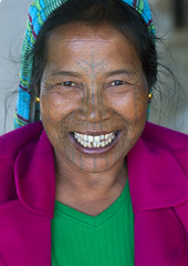 Tribal Chin Woman From Muun Tribe With Tattoo On The Face, Mindat, Myanmar (Eric Lafforgue) Tags: travel people woman color colour senior smile face smiling vertical tattoo female portraits asian photography design women asia day adult burma joy tribal headshot tattoos tribes myanmar mon tribe tatoo ethnic minority burmese facial chin adultsonly oneperson customs tattooed toothysmile humanface traveldestinations lookingatcamera mindat tribalpeople 1people chinstate facialdecoration bpattern burma0796 muuntribe
