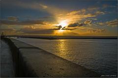 Lever de soleil sur la rade de Brest (jyleroy) Tags: ocean sea mer france port sunrise lumix brittany europe harbour bretagne breizh panasonic brest leverdesoleil finistre atlantique ocan fz200