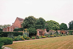 Eltham Palace Garden (1) (Matthew Huntbach) Tags: garden elthampalace eltham