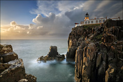 Neist Point (jeanny mueller) Tags: neistpoint lighthouse skye scotland waternish uk leuchtturm sea seascape schottland kste coast rock sunset highland isle