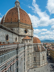 Firenze (elzauer) Tags: street city travel roof sky italy history tourism church monument colors architecture facade outdoors photography europe cityscape cathedral religion nopeople it symmetry unescoworldheritagesite unesco tuscany cupola dome firenze christianity marble toscana multicolored catholicism oldtown vacations renaissance florenceitaly urbanskyline southerneurope citystreet 2016 duomosantamariadelfiore gothicstyle cloudsky traveldestinations famousplace buildingexterior nationallandmark internationallandmark italianculture europeanculture builtstructure