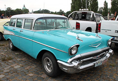 Bel Air Wagon (The Rubberbandman) Tags: street mag show hannover hanover chevy chevrolet bel air townsman station wagon estate break combi kombi america american beauty blue car chrome classic german germany mint school us usa vehicle auto fahrzeug linien old vintage