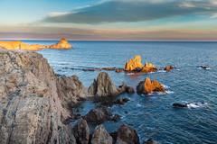 Fotografiando Las Sirenas (chuscordeiro) Tags: parque sky espaa costa color canon atardecer mar natural andalucia cielo turismo almeria cabodegata fotografo arrecife 1755 lassirenas canon7d