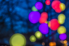 Parkleuchten Gruga 3 (timorobrecht) Tags: canon 50mm essen nacht bokeh spiegel nrw ruhrgebiet dunkel lichter farben ruhrpott skulpturen lichtinstallation gruga unschrfe schrfe 1018mm parkleuchten