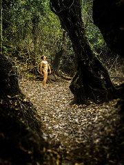 Denuedo (Xxtranyer Photography) Tags: life light portrait selfportrait plant color art nature dark nude person photography leaf photographer floor natural body cuba natura olympus human root pinardelrio leaft lospalacios xxtranyer 5354607290 xxtranyerphotography xtranyergmailcom
