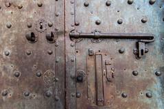 Pisa-0403 (Affers) Tags: door travel vacation italy holiday metal iron italia lock pisa cattedraledipisa