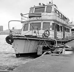 Ferry 602 (Jeanhom Chen) Tags: bw 6x6 film rollei rolleiflex blackwhite  fujifilm neopan rolleiflex28f acros