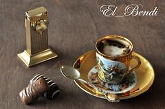 Cafe - bonbones (El_Bendi) Tags: macro coffee caf closeup milk cafe chocolate reloj canela capuchino
