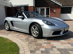 718 Porsche Boxster, front view (Heaven`s Gate (John)) Tags: 718 porsche boxster new car auto automobile solihull england johndalkin heavensgatejohn rhodium silver metallic sunlight convertible softtop cabriolait vehicle