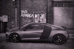 No Parking (- Cajn de sastre -) Tags: car voiture coche audi prohibition monocrome prohibicin audir8