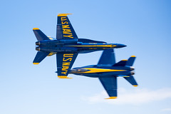 A difficult shot (W.L.M.II) Tags: hornet f18 usnavy fa18 fa18hornet navalaviators theblueangels spiritofstlouisairshowstemexpomay2016