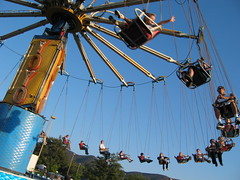 IMG_1344 (tay.burch) Tags: park carnival amusement ride conejo swings days valley rides yoyo attractions