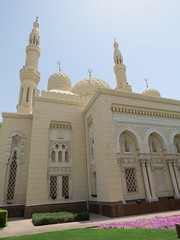 De Jumeirah Mosque (MTTAdventures) Tags: road mosque