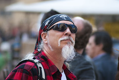fronte (g_u) Tags: people man florence gente persone uomo firenze bandana gu pirata ugo piazzaduomo fazzoletto