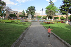Plaza Villalongin (sftrajan) Tags: parque mxico garden mexico morelia unescoworldheritagesite aqueduct acueducto michoacn 18thcentury jardn patrimoniomundialdelahumanidad plazavillalongn fuentelastarascas