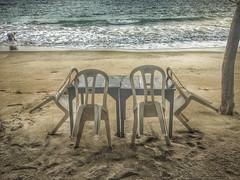 Fisherman (Playa Cangrejo, Oaxaca, Mxico. Gustavo Thomas  2016) (Gustavo Thomas) Tags: travel sea mer beach mexico mar fisherman mexican oaxaca pcheur chars pescador sillas playacangrejo