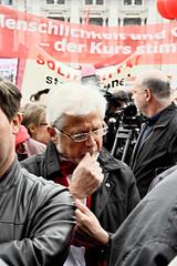 010516_111   Mai-Aufmarsch der SP (2016) (the_apex_archive) Tags: vienna wien rot austria politik sterreich protest apex 1mai rathausplatz tagderarbeit partei sp sozialistische spaltung protestieren wienerrathausplatz sozialdemokraten innenpolitik sozialisten 152016 maiaufmarsch maikundgebung sozialdemokratischeparteisterreichs rotenelke sozialdemokratisch 010516 parteipolitik parteignger parteianhnger 1mai2016 porotestierten ssozis parteispaltung