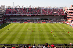 Independiente - San Lorenzo (morten f) Tags: game argentina sport ball de football amrica san outdoor stadium buenos aires soccer police security estadio lorenzo match bara fc barra brava derby libertadores ballpark league supporters shields protect ultras 2016 independiente