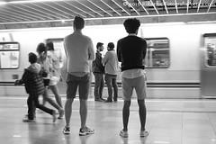 So Paulo, 2016. Metr / Metro /  / U-Bahn / Mtro /  /  / Subway. (roberto.historia) Tags: brazil blackandwhite brasil train subway movement pessoas saopaulo sopaulo movimento consolao persons trem pretoebranco metr fotografiapoeticacom
