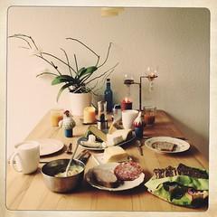 Frhstck (moksimil) Tags: orchid breakfast kln orchidee kse besteck salami teller frhstck leberwurst saft frhstckstisch frhstcksei iphoneography moksimil iphone4s
