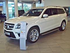 185 Mercedes GL350 (X166) BlueTEC (2013) (robertknight16) Tags: germany mercedes suv brooklands x166 mercedesworld 2010s gl350