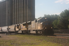 53469 (richiekennedy56) Tags: usa lawrence unitedstates kansas unionpacific sd70m railphotos up3887 douglascountyks up5145 donballcurve