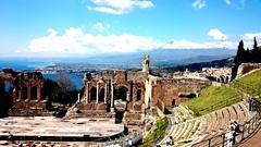 Taormina,IT (martinalongombardo) Tags: anfiteatro sicilia taormina