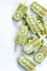 Kiwi Popsicle (TailorTang) Tags: summer stilllife food fruit 50mm sweet fresh whitebackground kiwi popsicle 5014 foodphotography icepops summertreat