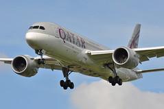 QR0001 DOH-LHR (A380spotter) Tags: approach landing arrival finals shortfinals threshold belly boeing 787 8 800 dreamliner dreamliner a7bcu qatar  qatarairways qtr qr qr0001 dohlhr runway27l 27l heathrow egll lhr