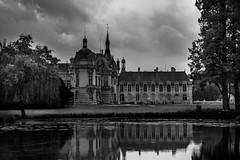 Chateau de Chantilly (delcroix_romain) Tags: white black nikon 1116mm d5200 hautdefrance