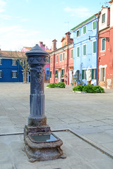 Burano Fountain (Jeremy Brooks) Tags: italy fountain burano veneto camera:make=fujifilm camera:model=xpro1