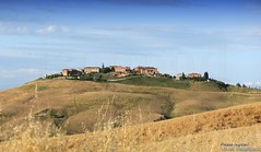 20160704_crete_senesi_siena_tuscany_88o77 (isogood) Tags: italy landscapes horizon country scenic tuscany crete siena cretesenesi asciano senesi