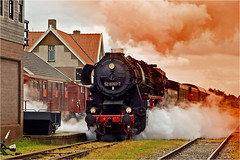 Steamloc departs from railway station (Foto Martien) Tags: