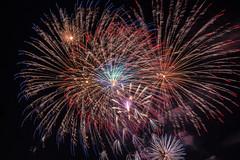Lumires dansantes / Dancing lights (BLEUnord) Tags: feux fireworks feuxdartifice lotoqubec nuit night montral