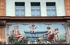 (Gerlinde Hofmann) Tags: germany bavaria franconia town bamberg formerhospital bathtub help angel nude putto feeding food bird pigeon