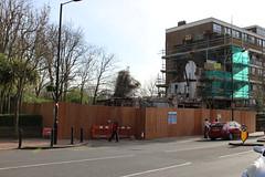 Carlton Tavern, 33a Carlton Vale, NW6 (Tetramesh) Tags: uk greatbritain england london pub unitedkingdom britain londres gb londra londen londinium lontoo llondon publichouse deadpub londone londyn llundain londn  lunnainn londain londono closedpub tetramesh londrez  loundres londr lndra