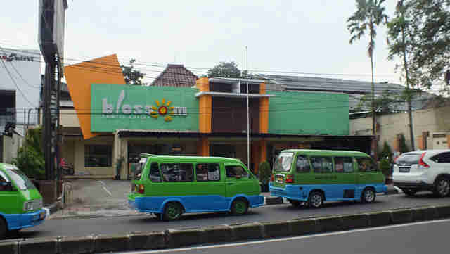 Excellent Living Room Factory Outlet Bogor Ideas - Simple Design ...