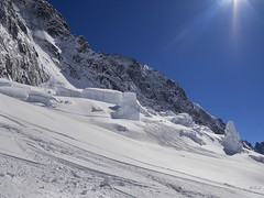 Tendres seracs !... (Claude Jenkins) Tags: ski france olympus glacier chamonix montblanc icefall em1 sracs