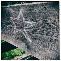 Stern (shortscale) Tags: stern holz kreide