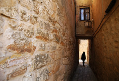 (cherco) Tags: street shadow orange woman colour window girl silhouette wall composition canon out ventana pared calle alone chica sombra backstreet alleyway salida 5d lonely lantern silueta farol solitary naranja solitario composicion callejon