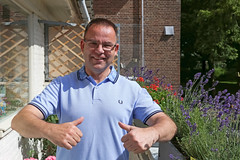 Perry @ 52 (Meteorry) Tags: birthday portrait man holland male guy home me netherlands face amsterdam june europe balcony wmc nederland moi east poloshirt balcon paysbas anniversaire est visage noordholland fredperry oost 2016 watergraafsmeer meteorry
