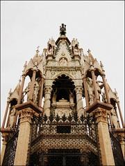 Brunswick Monument, Geneva, Switzerland (Wagsy Wheeler) Tags: monument statue switzerland suisse geneva geneve brunswick mausoleum charlesii suiss brunswickmonument dukeofbrunswick