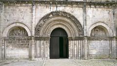 Cognac, Charente (Marie-Hlne Cingal) Tags: door france church puerta iglesia kirche chiesa porta porte 16 cognac glise tr charente sudouest poitoucharentes