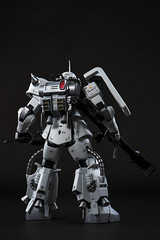 (Andy @ Pang Ket Vui ( shootx2 )) Tags: white metal wolf backpack gundam zaku thruster gunpla ms06r1a