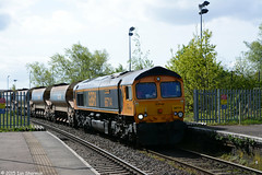 No 66714 Cromer Lifeboat 4th May 2015 Ipswich (Ian Sharman 1963) Tags: road beach station train branch diesel no great shed may engine 4th rail railway loco trains 66 class line lifeboat british locomotive railways derby felixstowe ipswich cromer 2015 railfreight whitemoor gbrf 66714 autoballasters 6t60