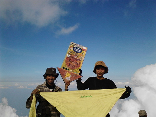 "Pengembaraan Sakuntala ank 26 Merbabu & Merapi 2014 • <a style=""font-size:0.8em;"" href=""http://www.flickr.com/photos/24767572@N00/26556965994/"" target=""_blank"">View on Flickr</a>"