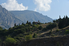 01-Grce Greece 07/2015 (Chanudaud) Tags: church architecture montagne landscape nikon ngc delphi greece paysage glise grce nationalgeographic delphes mountainn